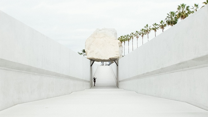levitated_mass.jpg
